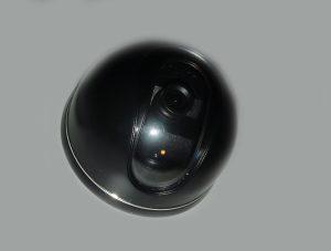 Kupolveida videonovērošanas kamera (41-0221) (melna)
